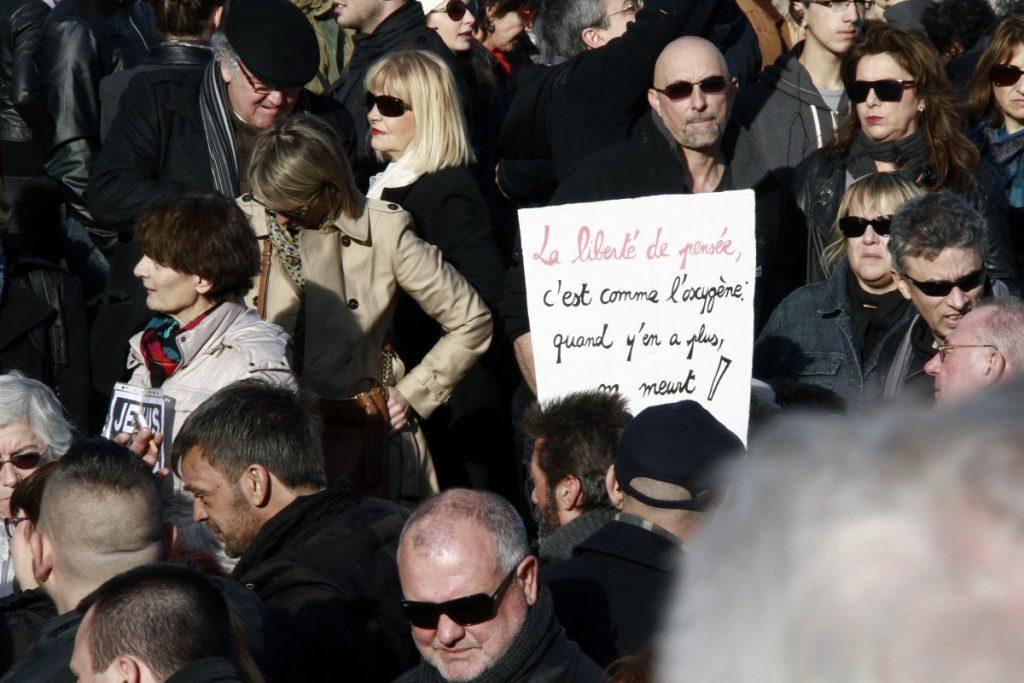 people, crowd, france, audience, europe, fashion, montpellier, hrault, libert, manifestation, demonstration, rpublique, presse, nation, foule, pancartes, noussommescharlie